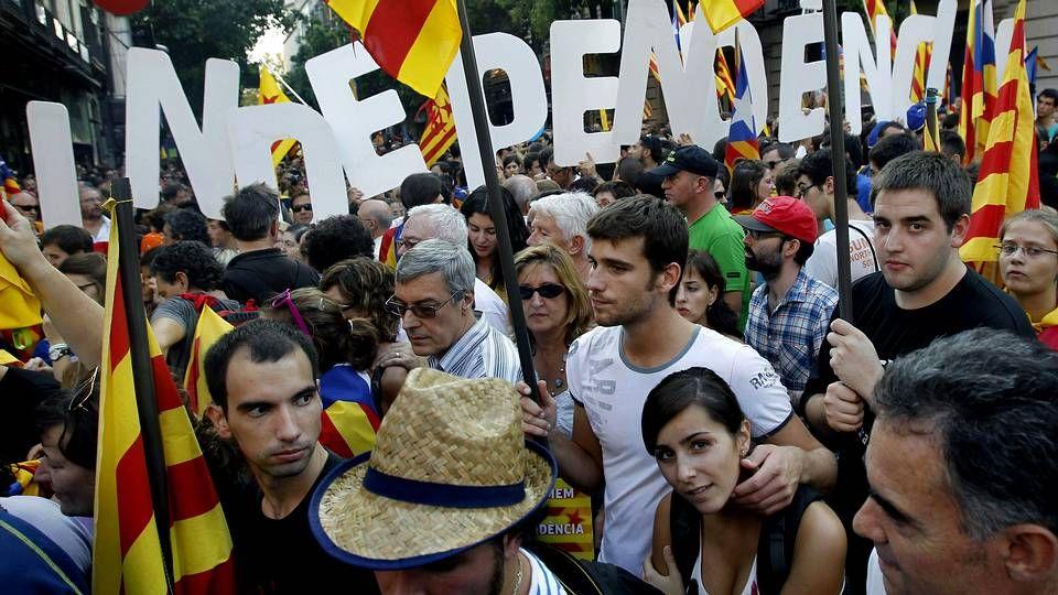 Vencedores y vencidos en las elecciones catalanas.Oriol Pujol, en un acto con Mas el día 14, anunció que el programa de CiU hablará de Estado propio.