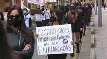 El 8Mtiñe de lila Galicia: las fotos del 8M más atípico por el covid