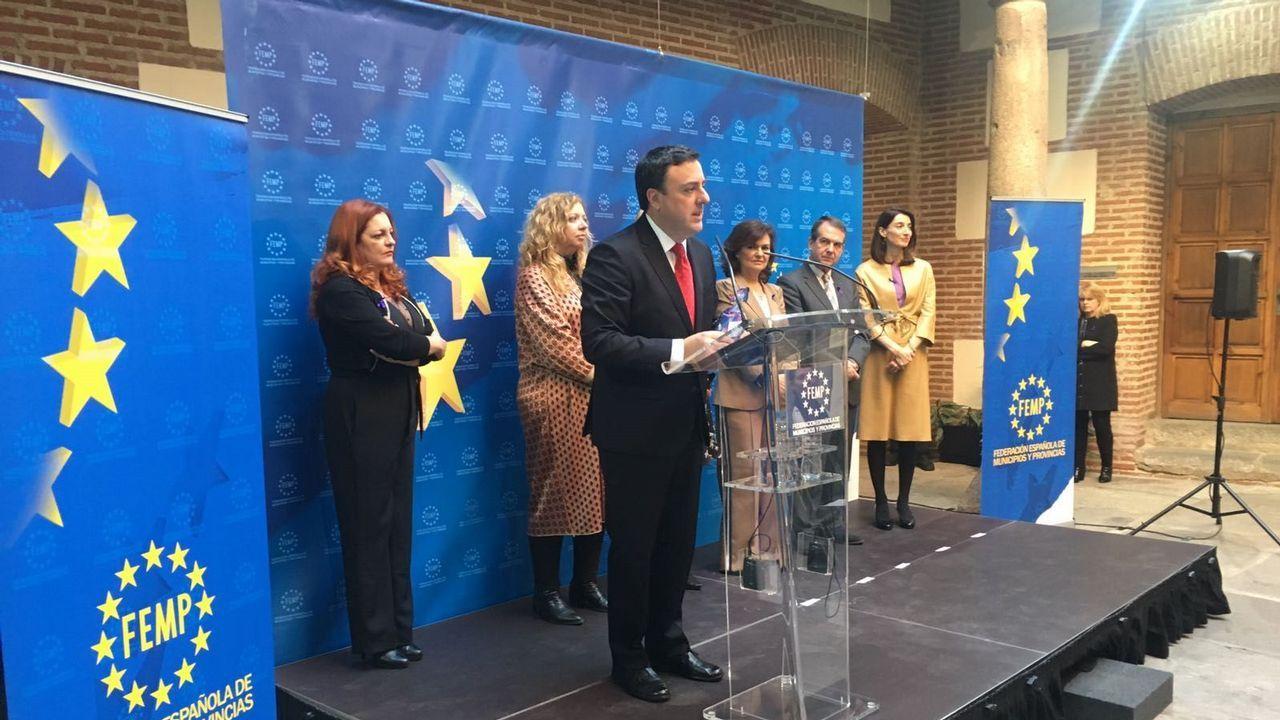Estado de abandono del Centro Gallego de Buenos Aires.El presidente de la Diputación de A Coruña agradeció el premio, en presencia de Carmen Calvo y Abel Caballero