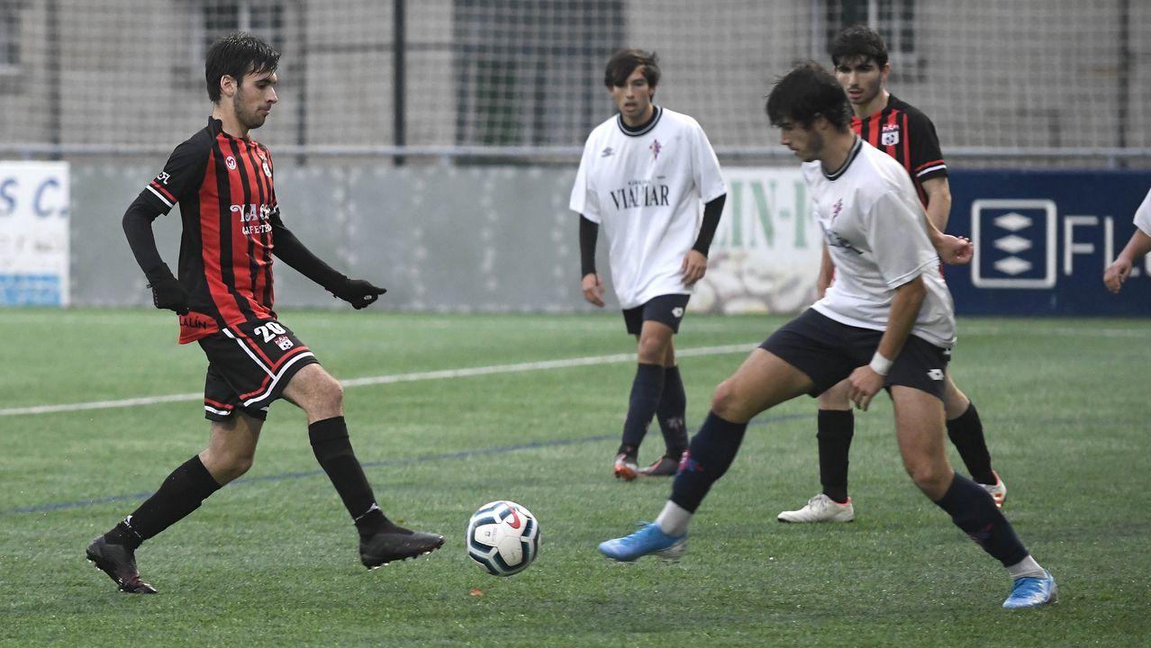 Los jugadores del Vetusta celebran el tanto de Riki al Atlético B