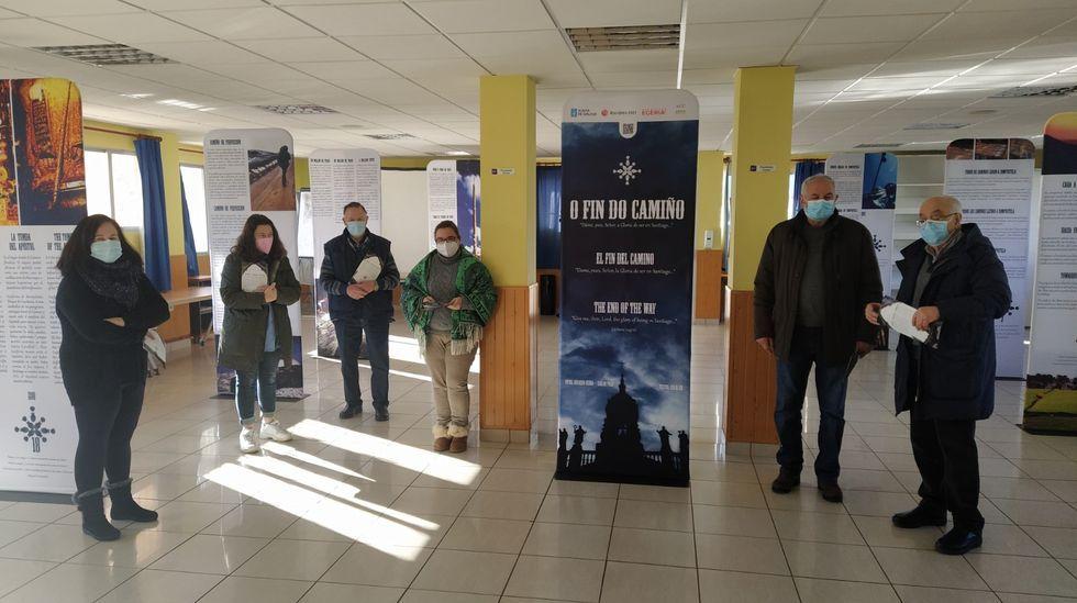 Inauguración de la exposición «O fin do Camiño», que se podrá ver en O Corgo hasta el martes.