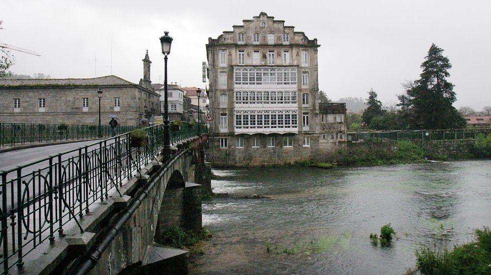 Las primeras aguas reconocidas. Las del balneraio Acuña, en Caldas de Reis, fueron declaradas de utilidad pública en 1813.