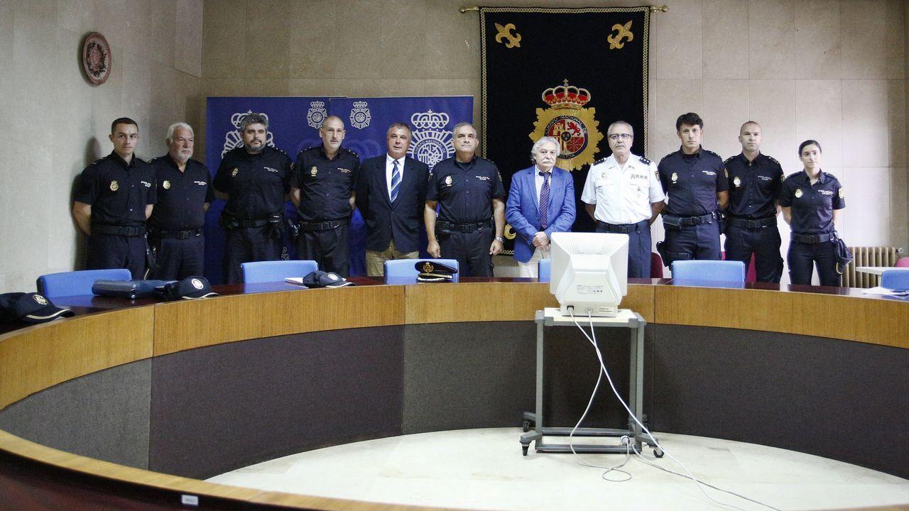El subdelegado del Gobierno se presentó en Ourense arropado por el PSdeG.Javier Cabido