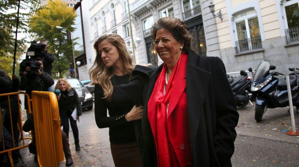 Otra imagen de la llegada de Rita Barberá para declarar ante el Tribunal Supremo en calidad de investigada.