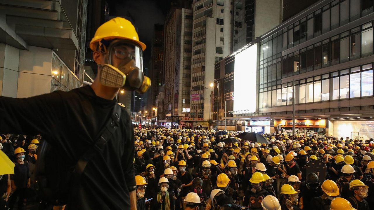 Los protestantes tomaron las calles de Hong Kong este domingo, en su octava semana de protestas