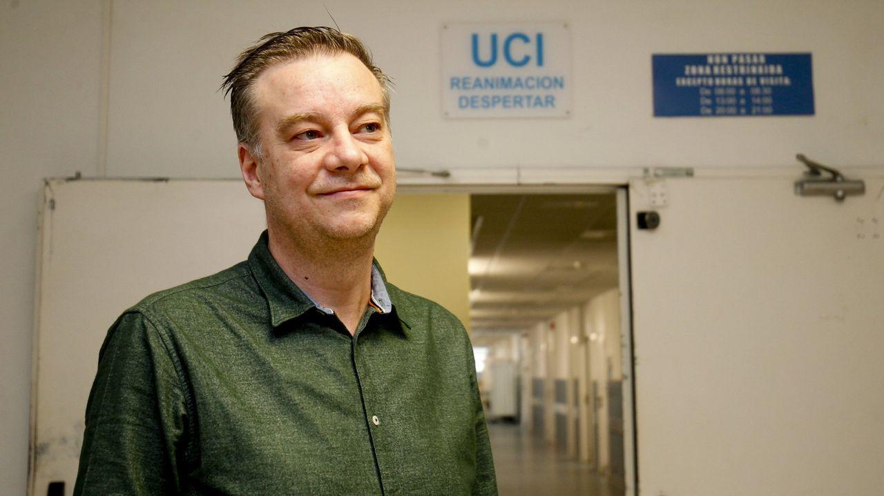 Primer vacunado contra el covid en A Coruña.Pedro Rascado, especialista en Medicina Intensiva del CHUS y miembro del comité clínico