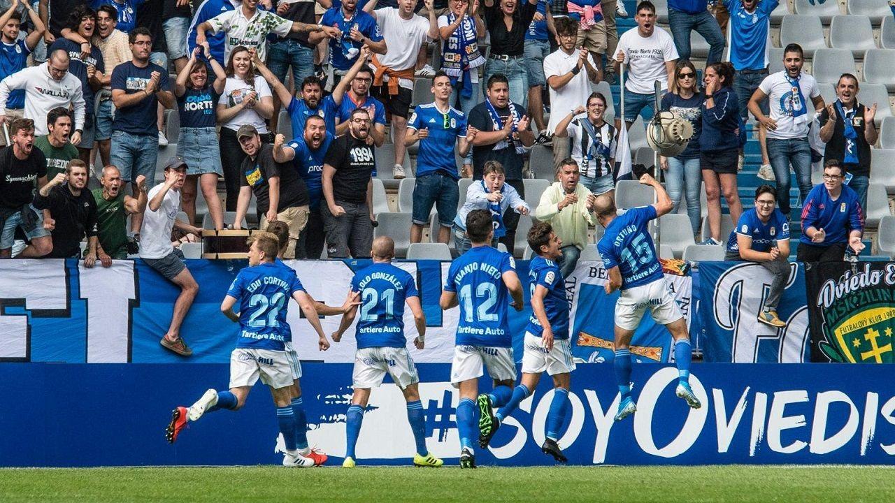 Gol Ortuño Sangalli Edu Cortina Nieto Lolo Real Oviedo Lugo Carlos Tartiere.Ortuño celebra el 1-0 frente al Lugo