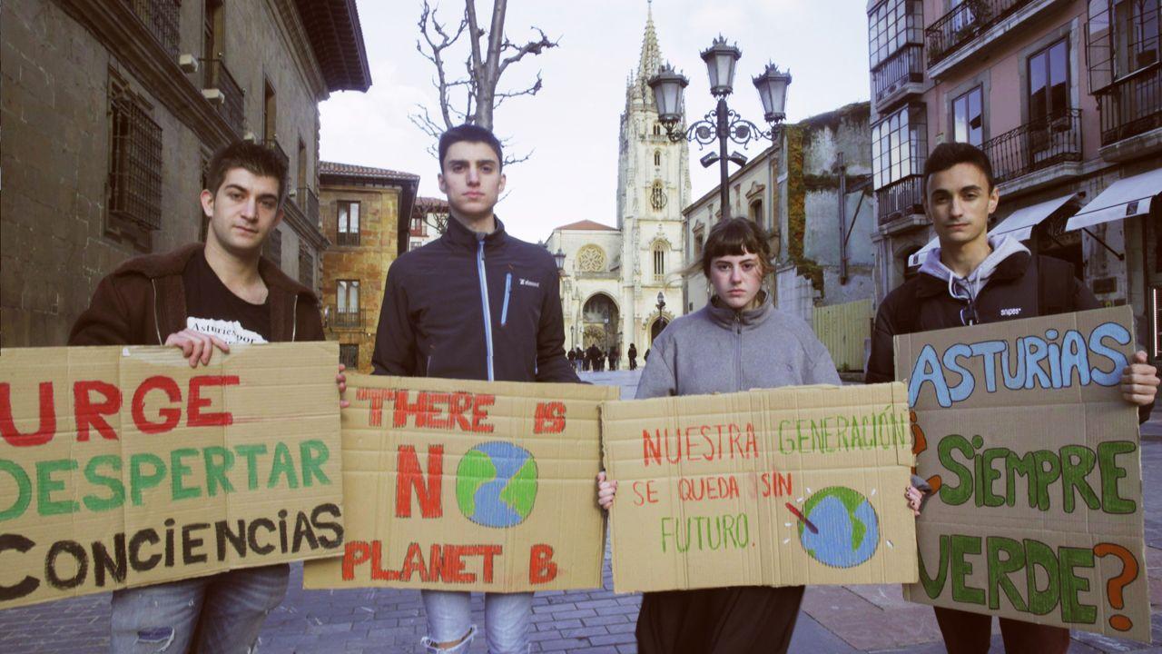 Las manifestaciones del 8M en Galicia, en imágenes.De izquierda a derecha, Tarik Vázquez, Manuel Franco, Alba Rivas y David Mato