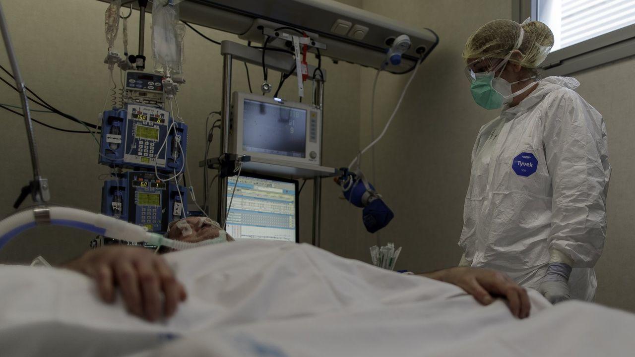 La bodega Vía Romana ofrecerá visitas y catas gratuitas a los trabajadores de la sanidad. En la imagen, una visita guiada a sus instalaciones