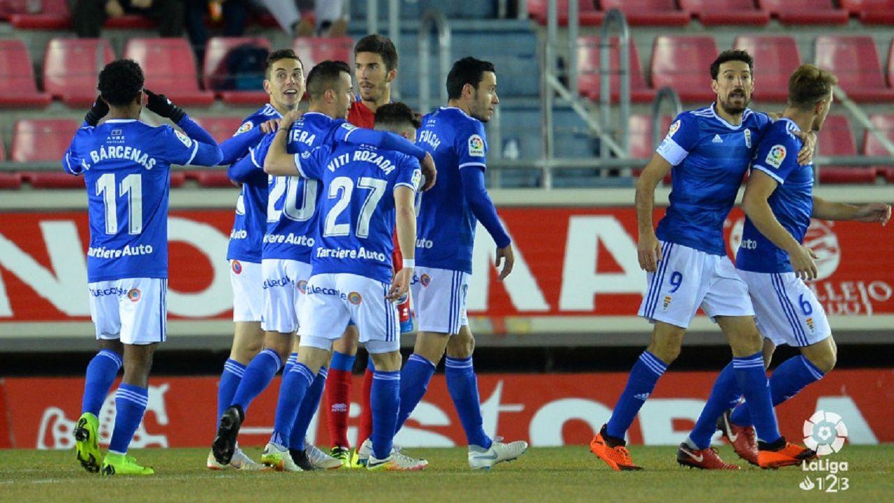 Anquela Real Oviedo Requexon.Los jugadores del Oviedo celebran uno de los goles al Numancia