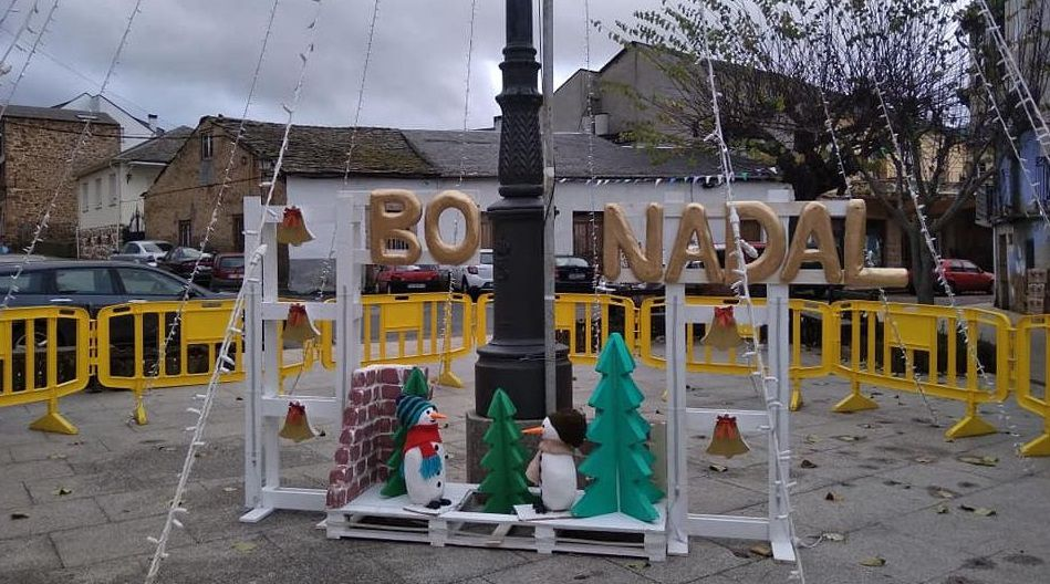 NAVIDAD EN CELANOVA.Decoración navideña en Petín