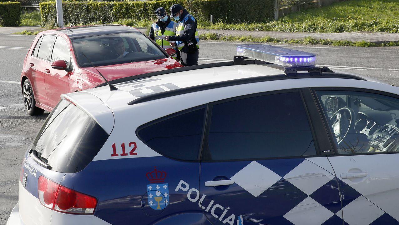¡Mira el recorrido que hicieron los Reyes Magospor los municipios de Barbanza, Muros y Noia!.La Policía Local de A Pobra intensificó los controles en el límite con Ribeira (foto) y Boiro.