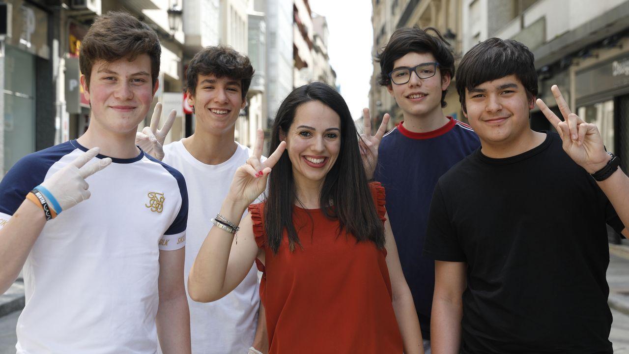 Los alumnos del colegio Santo Ángel, tras saber que eran los ganadores.Juzgados de Oviedo