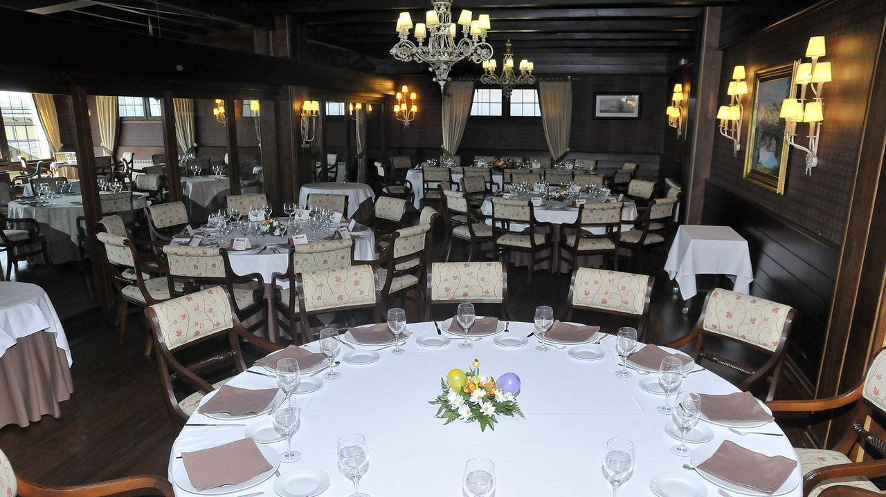 Ola de calor en Asturias.Fotografía de archivo de un banquete de boda