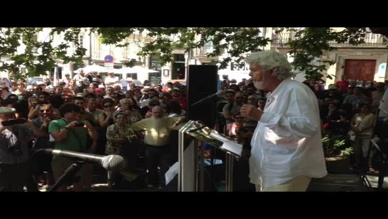 Beiras interviene en el acto de Anova en la praza de Mazarelos.Na festa inaugurouse a escultura «Irmaus», do escultor Manuel Penín.