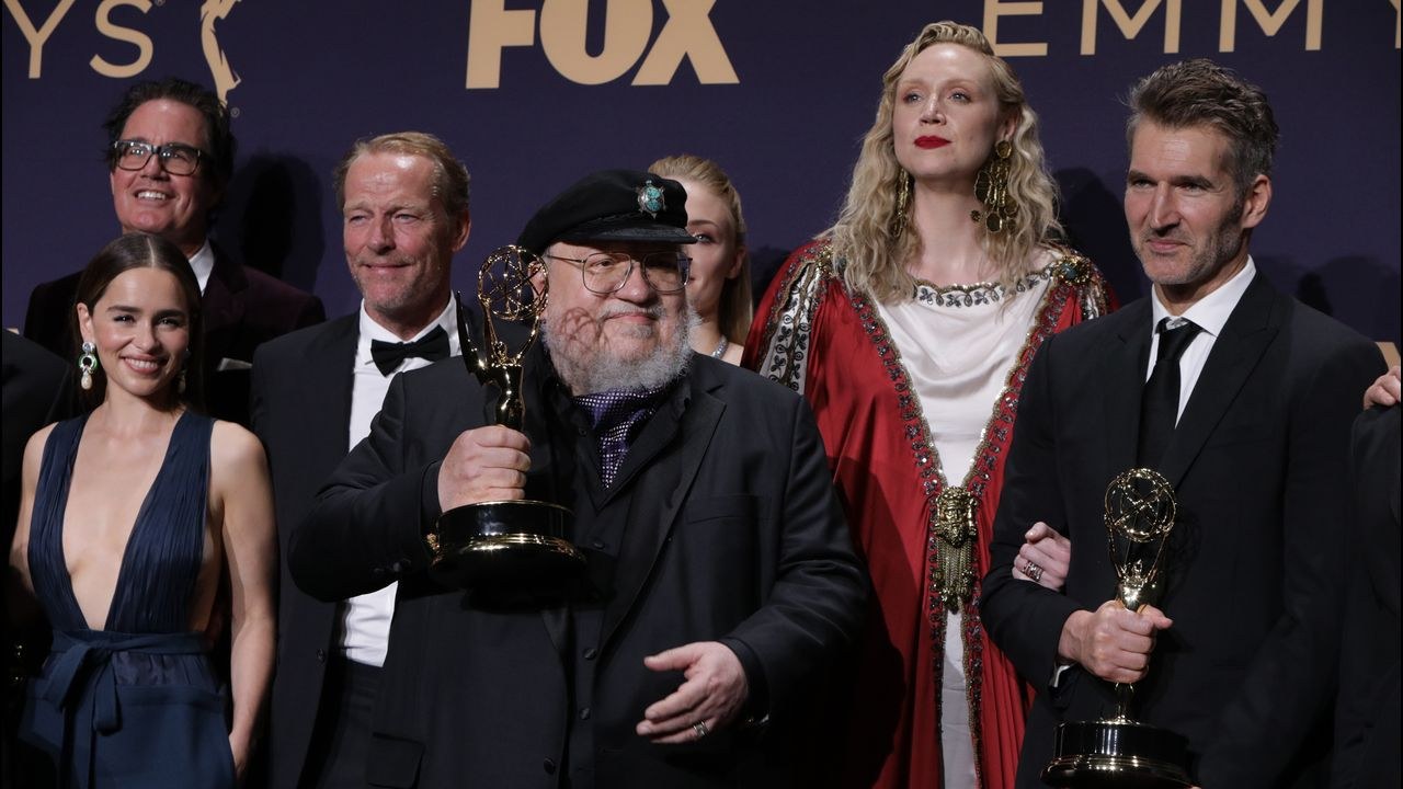 Gala de los Emmy 2019.Szumowska, en el centro, con las actrices protagonistas de «The Other Lamb»