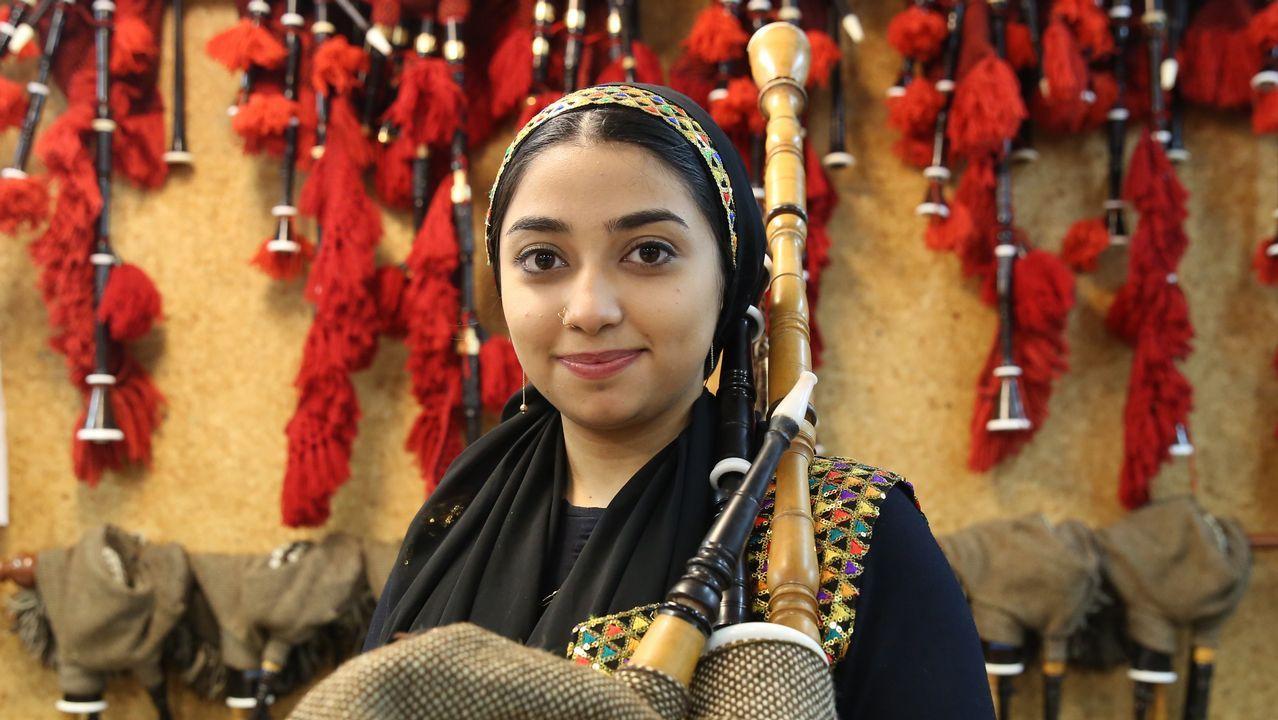 La primera gaiteira iraní escoge Ourense para formarse y crear una escuela en su país