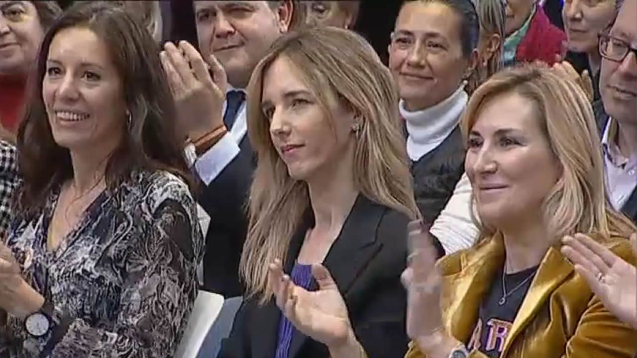 Casado: «Estoy orgulloso de presidir un partido en el que no tengo que defender a las mujeres porque os defendeis muy bien solas».Gonzalo Caballero, este viernes en Buenos Aires