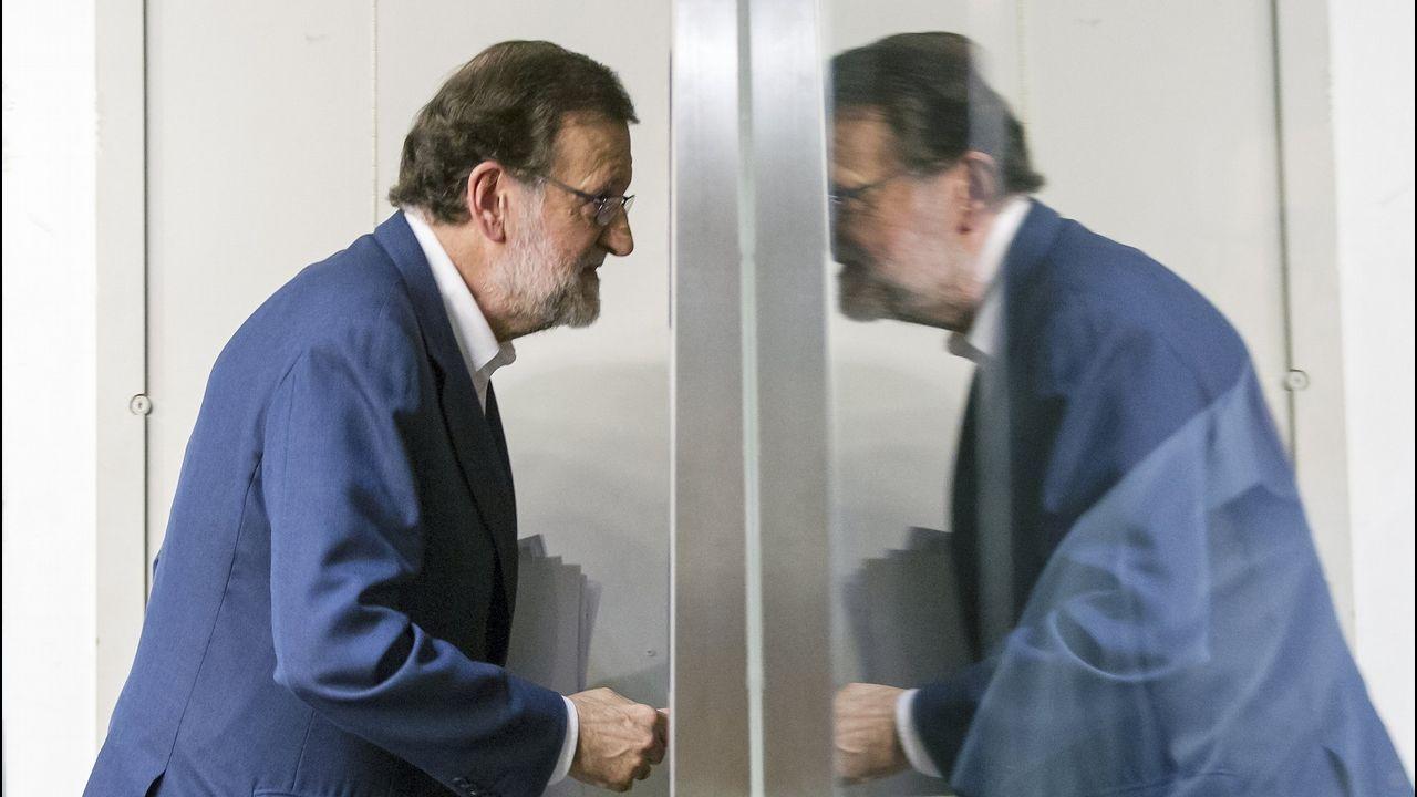 Rajoy: «Jamás me he ocupado de asuntos económicos en el partido».El Bigotes, a la izquierda, junto a Crespo en una sesión del juicio