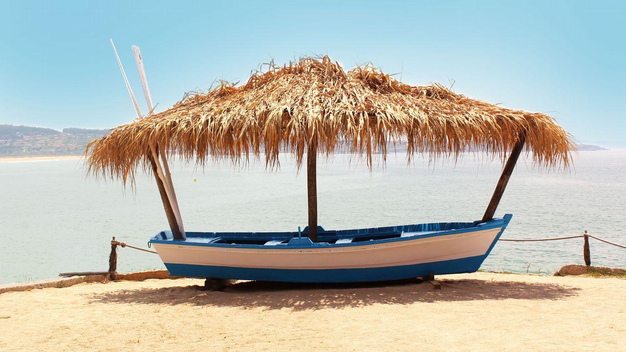 ARROCERÍA A LANZADA & SUNSET. Seis estilos en un mismo local. Con vistas al arenal pontevedrés y a Ons, el Caribe no parece tan exótico como las Rías Baixas.