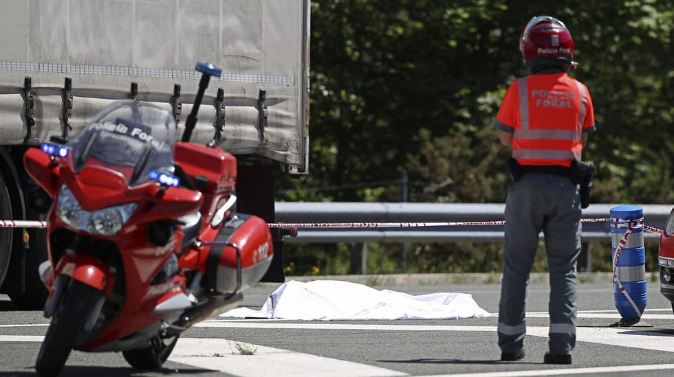 Detenido un ertzaina tras matar a un camionero.La previsión anuncia para Pamplona un aumento notable a extraordinario de las temperaturas máximas