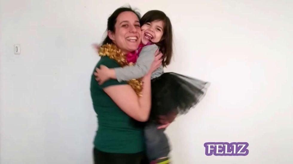 Usuarios de los centros socioculturales de Santiago animan la cuarentena