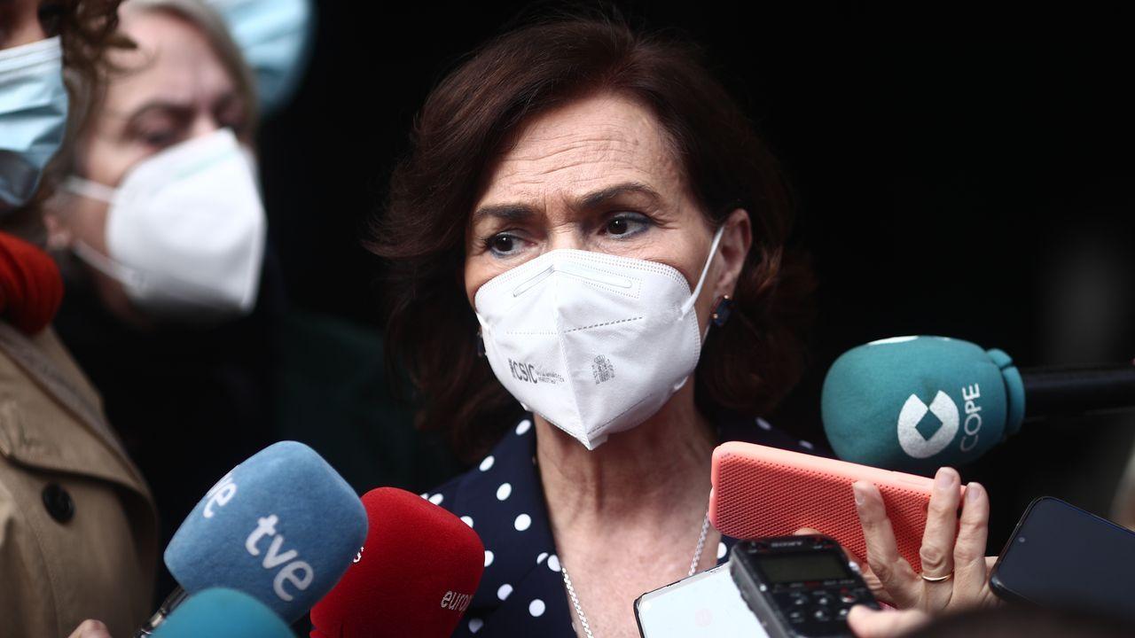 La vicepresidenta Carmen Calvo, este miércoles, tras la toma de posesión de la nueva delegada del Gobierno en Madrid