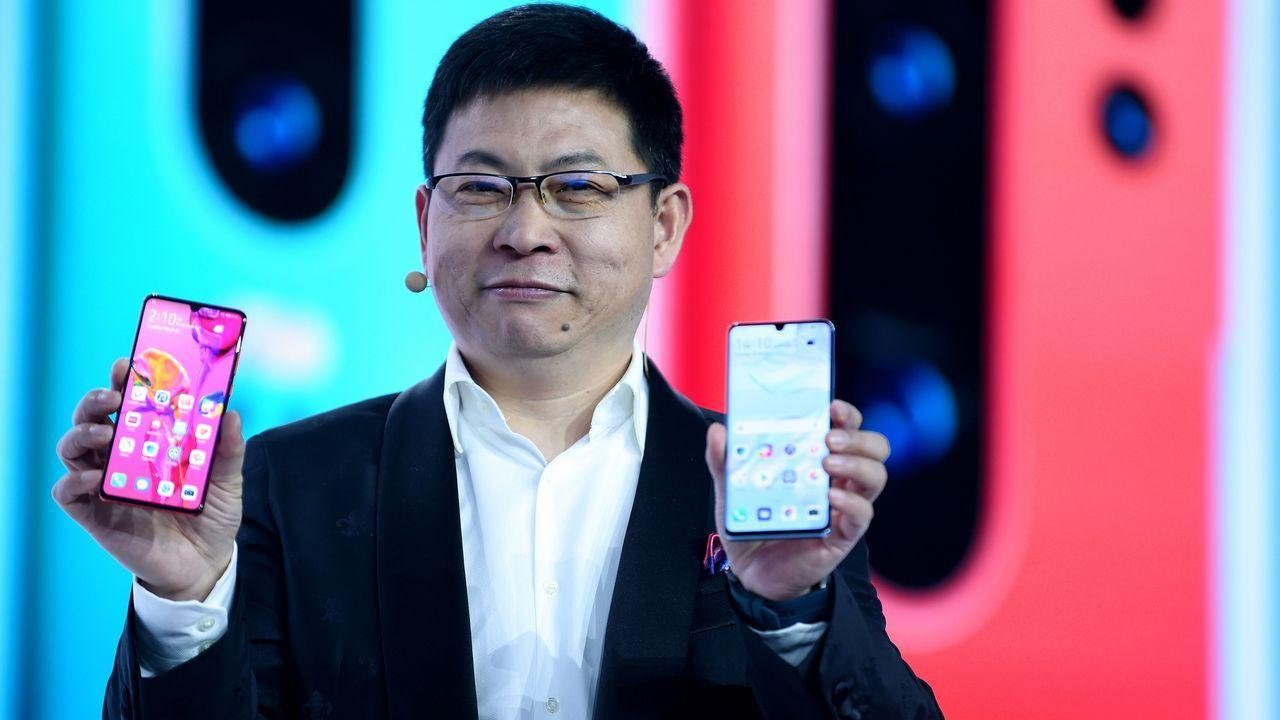 Samsung lanza un móvil con cámara rotatoria