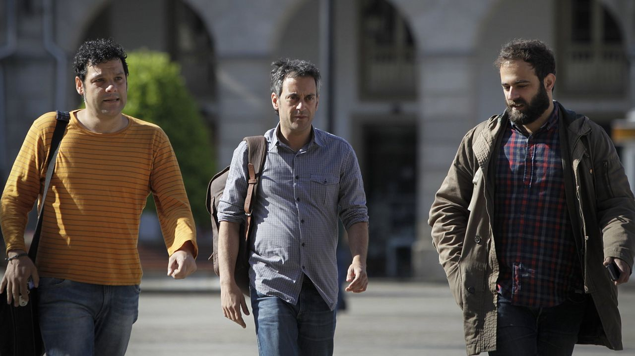 EL CESADO JEFE DE PRENSA, RODRI SUÁREZ, CON XULIO FERREIRO Y SU ASESOR IAGO MARTÍNEZ EN EL AÑO 2015