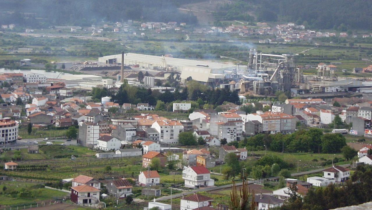Fábrica de aluminios en Padrón