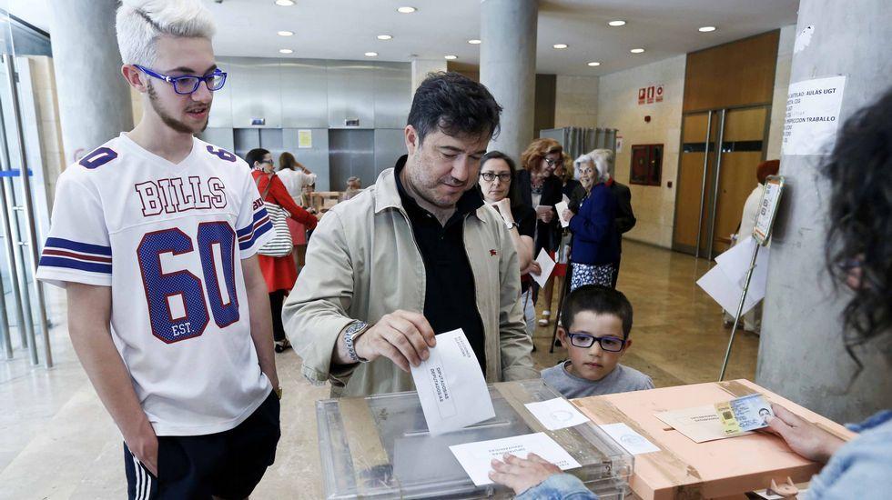 José Manuel Barreiro (PP), votando.