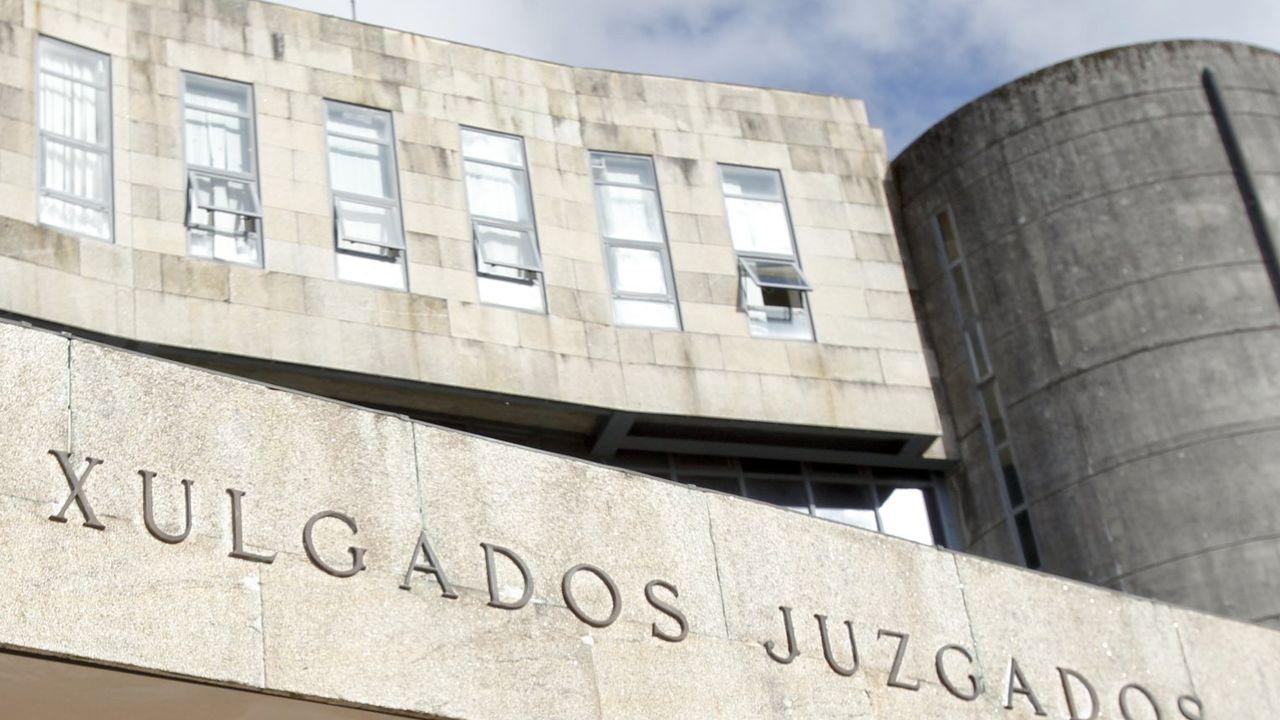 Un hombre mata a su sobrino de tres años estrangulándolo en Santiago.Sede de los juzgados de Santiago, en una imagen de archivo