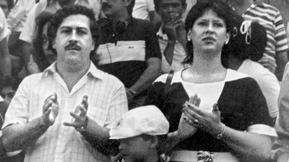 Pablo Escobar, junto a su mujer