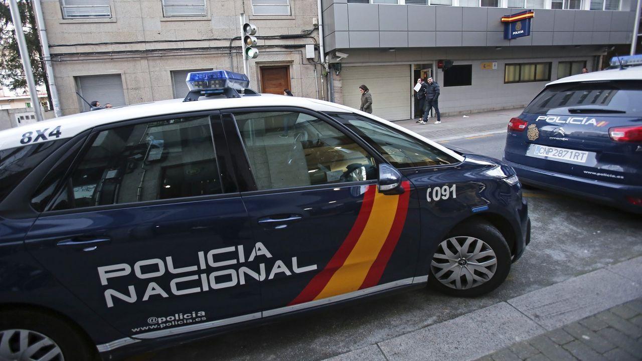 Un policía de Vigo, herido durante los disturbios en Barcelona.Concentración por los policías desplegados en Cataluña