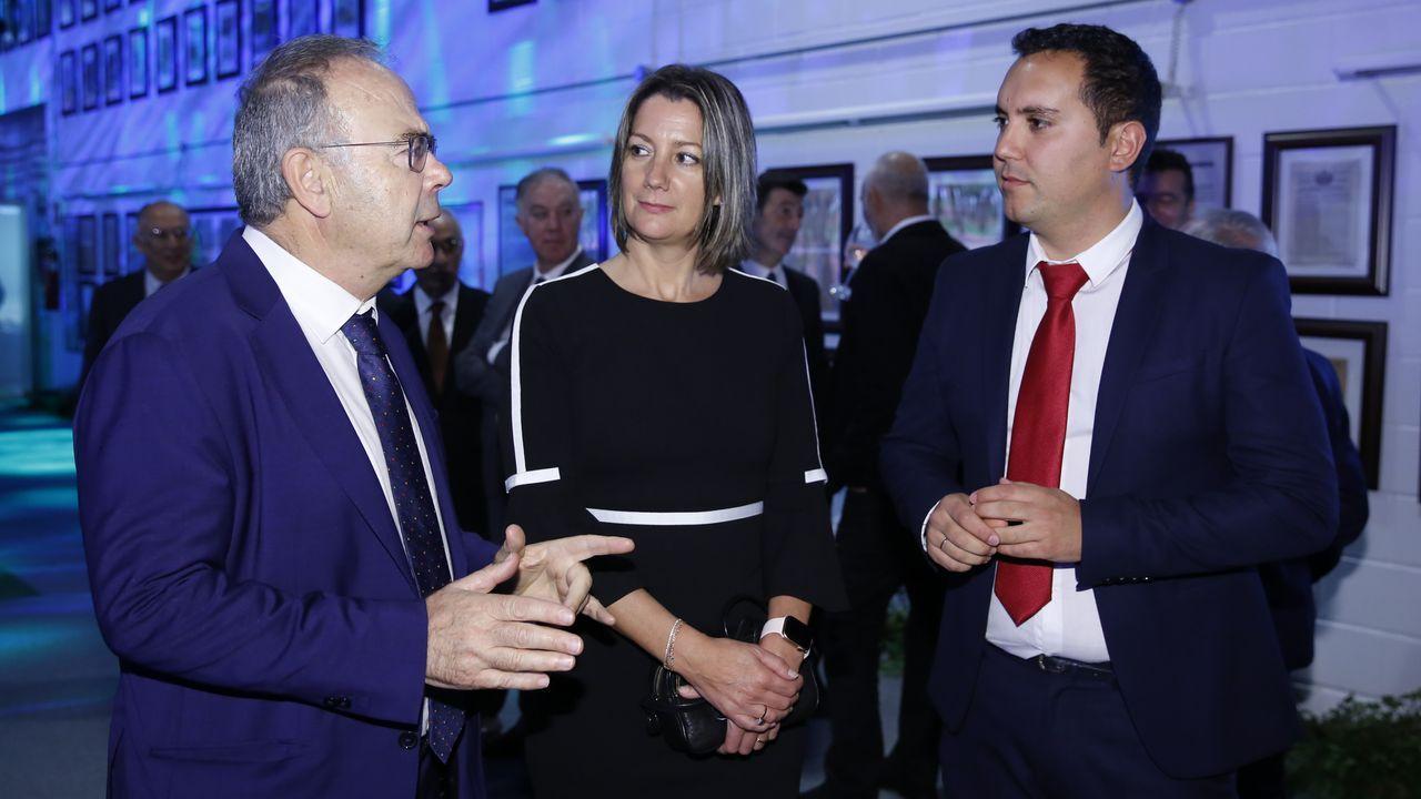 Los alcaldes de Santiago, Lugo y Muxía: Xosé Sánchez Bugallo, Lara Méndez e Iago Toba