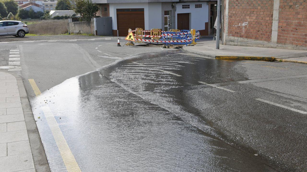 Averías puntuales pero también defectos crónicos provocan la pérdida de importantes cantidades de agua en las redes de suminisro gallegas