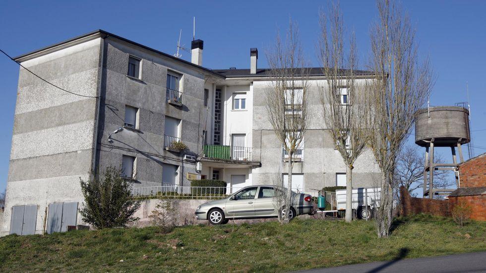 Las fotos de la romería 2002 en el Monte Faro.Cuartel de la Guardia Civil en Escairón