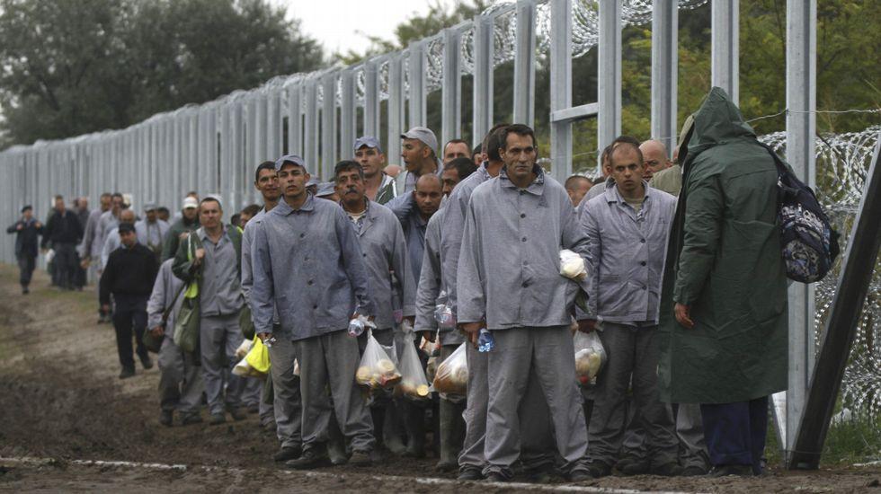 El Gobierno húngaro moviliza a presos para terminar el muro con el que pretende blindarse de los refugiados.Adolf Eichmann, en una foto tomada en Israel en 1961