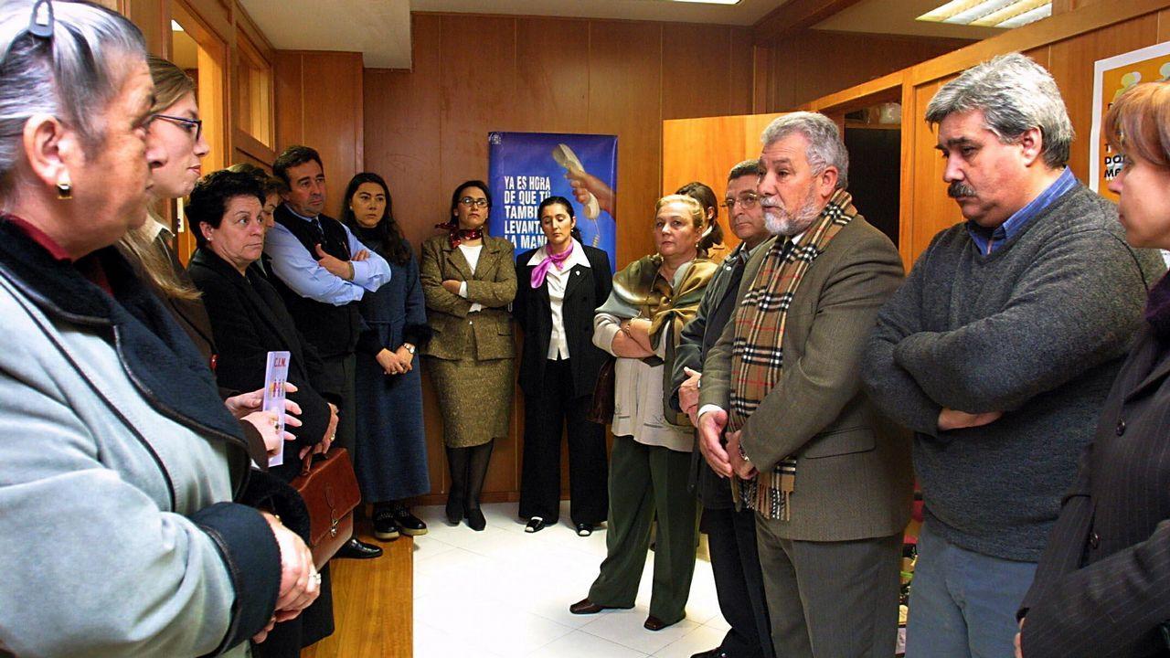 Ramiro Carregal xa ten a súa praza en Vilagarcía.Feijoo alertó contra la división del voto de centroderecha en un acto celebrado en Ribeira el domingo