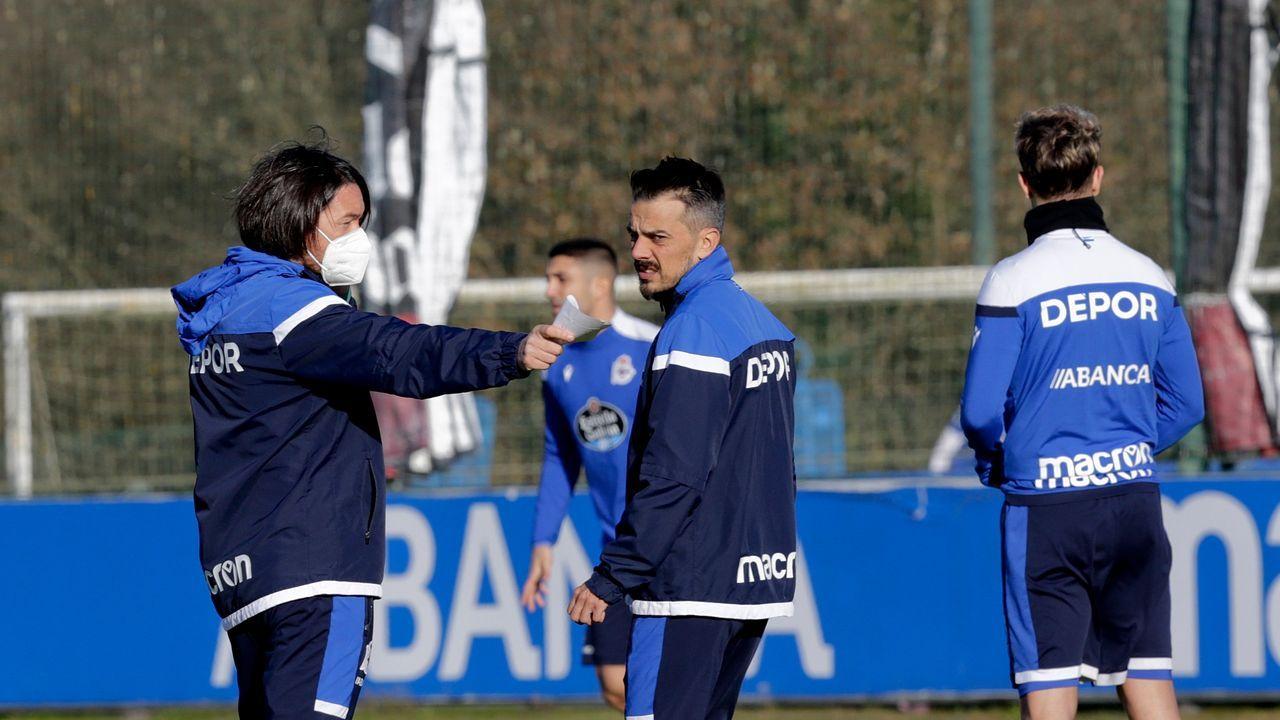 Sangalli, Riki y Borja Sánchez, durante un entrenamiento en el Carlos Tartiere