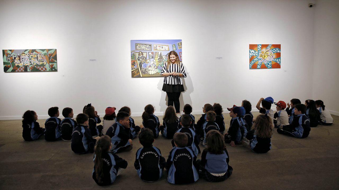 Un grupo de escolares, durante su visita al Museo Municipal de Ourense