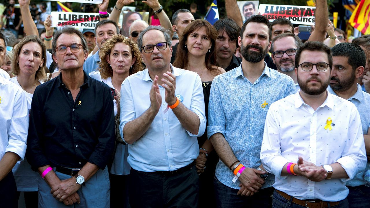 Pedro Sánchez presenta su plan de gobierno en el Congreso.El consejero de Economía, Pere Aragonès, y Quim Torra, en la reunión de ayer del Gobierno catalán