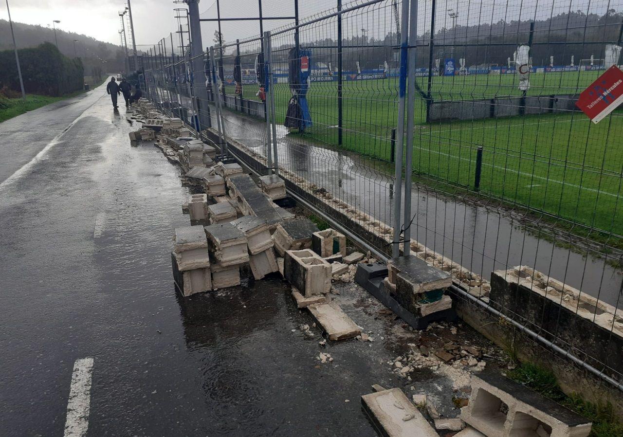 Destrozos por el temporal en la ciudad deportiva de Abegondo