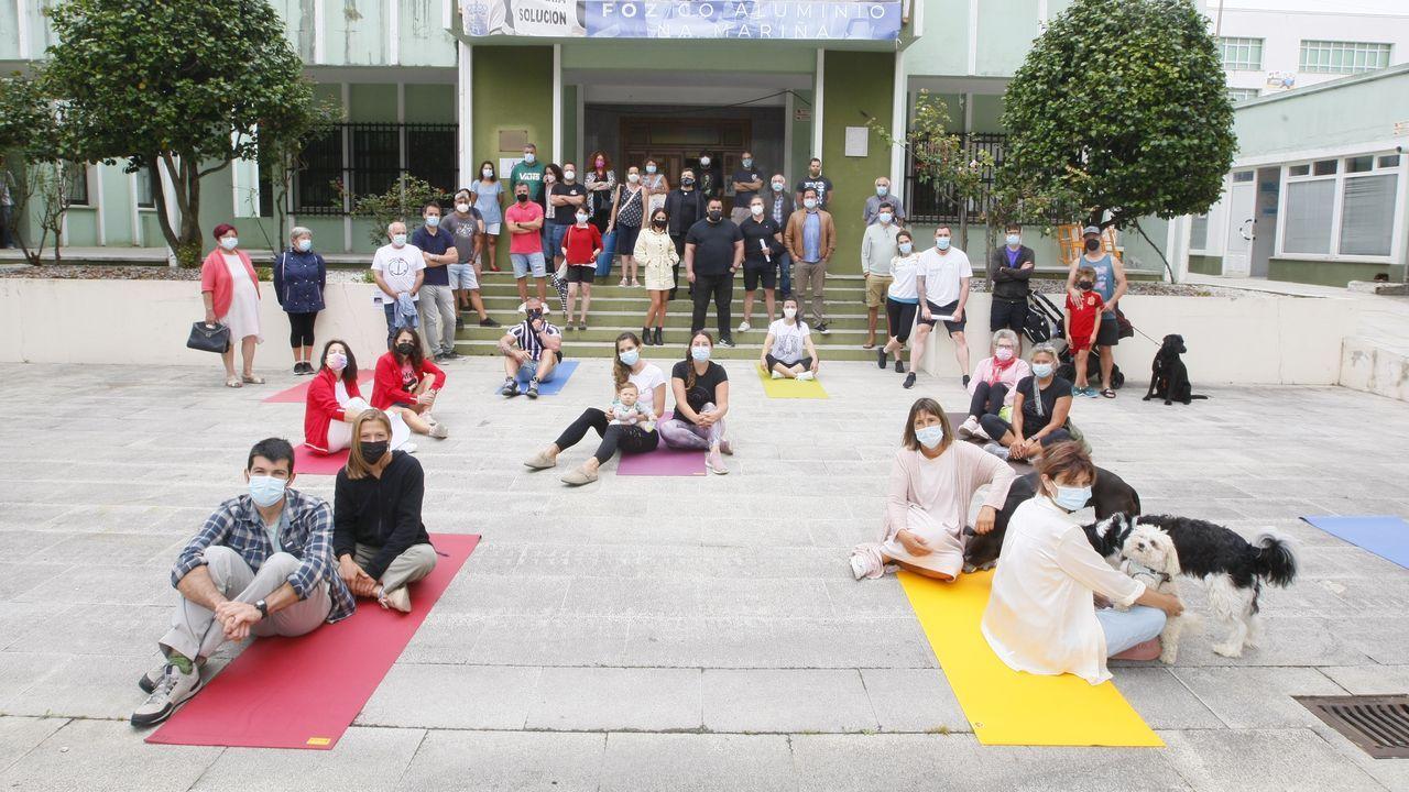 Representantes de gimnasios y centros deportivos se concentraron este miércoles en Foz