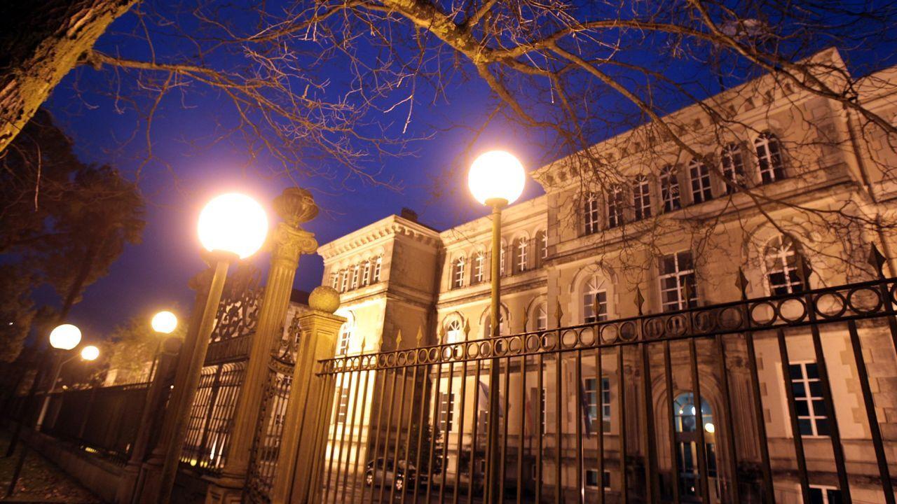 Puigdemont llega a los juzgados que estudiarán hoy la reactivación de la euroorden.Imagen de archivo del Centro Gallego de Bruselas