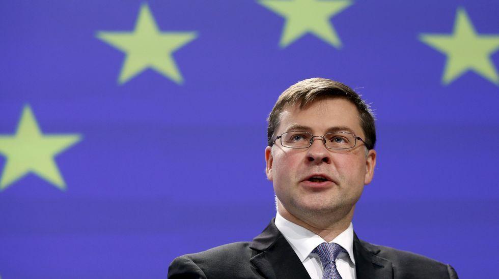 Mariano Rajoy visita Mondariz.El presidente de la Comisión Valdis Dombrovskis