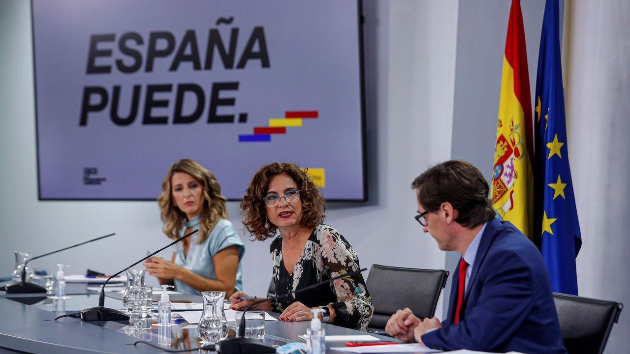 El Gobierno anuncia el inicio de la tramitación del indulto a los políticos presos independentistas.Una votación en la sede de Izquierda Unida de Oviedo