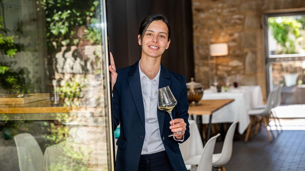 Así fue la inauguración del nuevo restaurante de Sicilia in Bocca.Félix Peletero y Estela Gómez en Villalcázar de Sirga (Palencia).