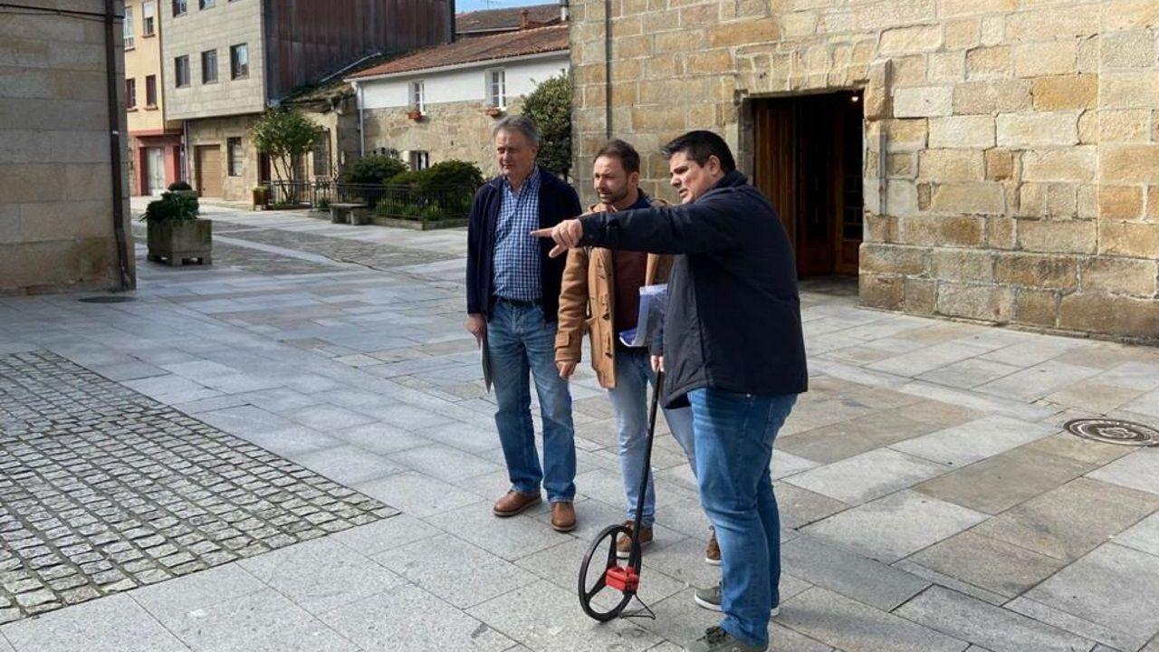 Vilanova estrena su banco de peregrino.Los alumnos de cuarto de la ESO del instituto de Meaño están implicados en los estudios que realiza el laboratorio de radón