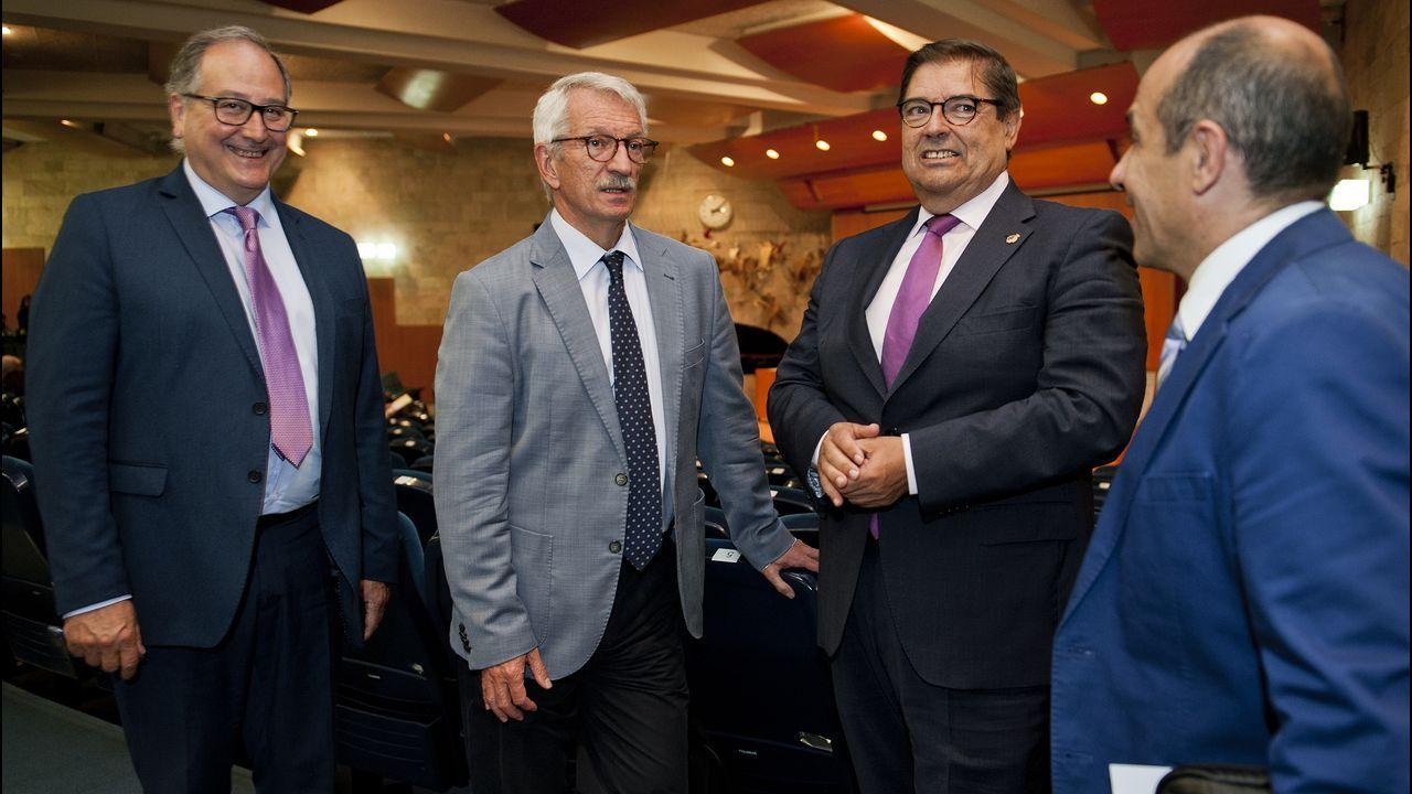 Así fue la jornada delOpen Science de Cambre.El secretario de Estado de Educación, segundo por la izquierda, en A Coruña